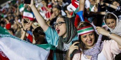 İran'da Kadınların Stadyumda Maç İzlemelerine İzin Verilecek: Yalnızca Milli Maçlar İçin