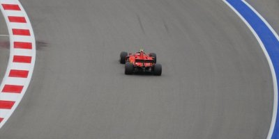 Rusya'da Pole Pozisyonu Leclerc'in