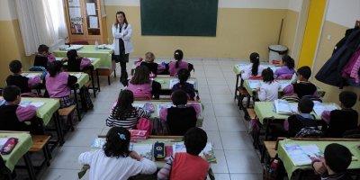 MEB Öğretmenler Günü Kutlama Yönetmeliği Resmi Gazete 'de Yayımlandı