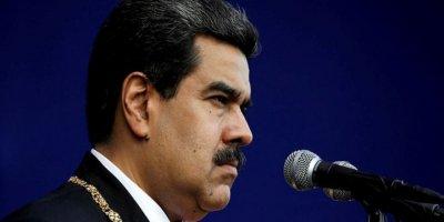 """ABD, Venezuela'yı İran gibi petrol ambargosu ile vuracak"""