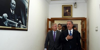 Amerikalı Senatör Graham: YPG unsurlarını sınırdan uzaklaştırmak için ortak plan var