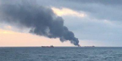 Rusya: Kerç Boğazı'nda iki gemi alev aldı, mürettebat arasında Türkler de var