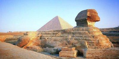 DEFİNE AVCILARI, MISIR'DAKİ KEOPS PİRAMİDİ'NİN YAKININDA ANTİK BİR MEZAR KEŞİF ETTİ