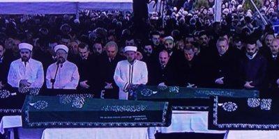 Ekrem İmamoğlu ve Recep Tayyip Erdoğan İstanbul'da çöken binada ölenlerin cenaze töreninde aynı safı tuttular