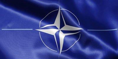 VLADİMİR ŞAMANOV: AVRUPA'YA ORTA MENZİLLİ FÜZELER KONUŞLANDIRILMASI HALİNDE RUS SİLAHLARI, NATO KOMUTA MERKEZLERİNİ HEDEF ALIR