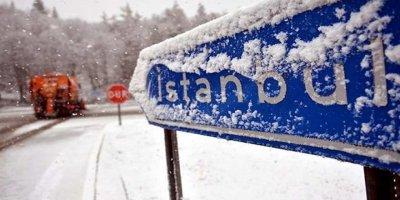 İstanbul'da beklenen kar yağışı başladı, İDO seferleri iptal