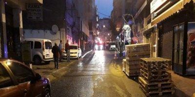 Fatih'te polis, tartıştığı iş yeri sahibini silahla vurdu