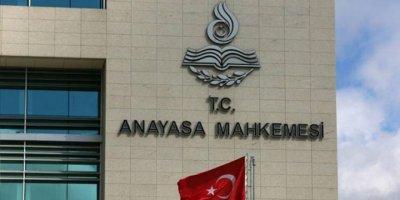 AYM'den emsal karar; açığa alınan memurun kesilen maaşı faiziyle iade edildi
