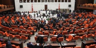 Meclis'e fezleke yağdı