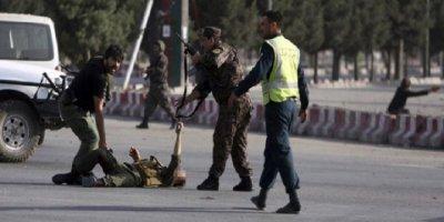 Raşid Dostum'un konvoyuna silahlı saldırı: Ölü ve yaralı var