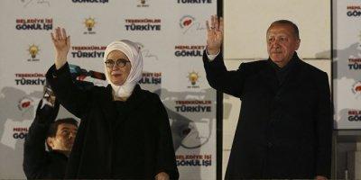Erdoğan, balkon konuşmasını yaptı: Milletimiz bugün bizi 15. defa sandıkta birinci yaptı