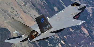 REUTERS HABER AJANSI, ABD'NİN F-35 UÇAKLARIYLA ALAKALI OLAN BAZI EKİPMANLARIN TÜRKİYE'YE TESLİMİNİ ASKIYA ALDIĞINI DUYURDU