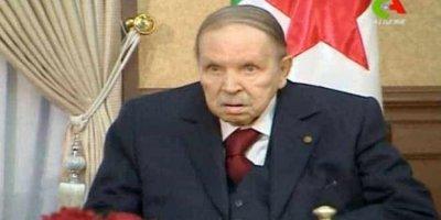 Cezayir'de 20 yıllık iktidar sona erdi: Buteflika'dan istifa kararı