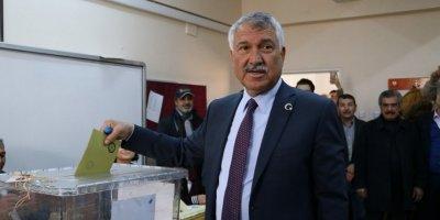Adana Büyükşehir Belediye Başkanı seçilen Karalar: Geçersiz oyların tamamı onlara çıksa fark kapanmaz