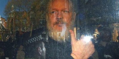 Doğan Satmış yazdı: Julian Assange: Gazeteci mi, aktivist mi, casus mu, şarlatan mı?