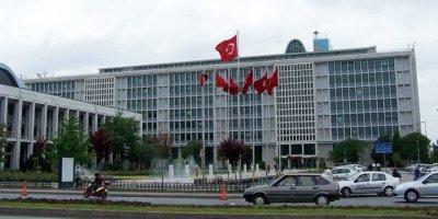 """İstanbul Belediyesi'nde """"yuh"""" dedirten olay"""