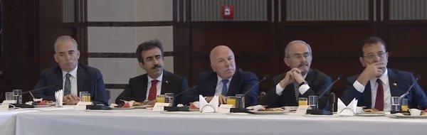erdogan-belediye-baskanlariyla-bestepede-bulustu.jpg
