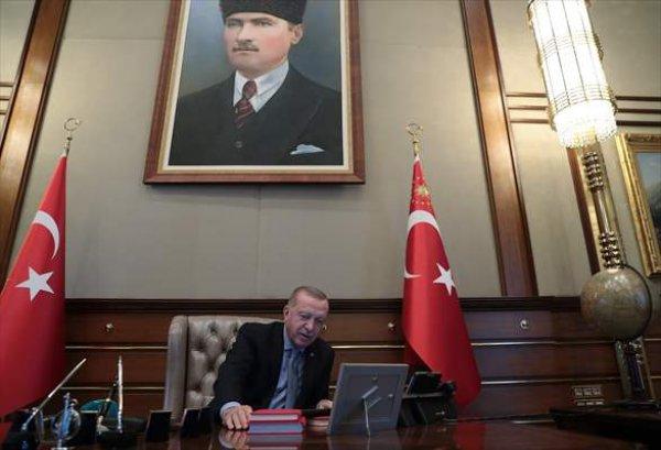 erdoganin-operasyon-emrini-verdigi-o-an.jpg