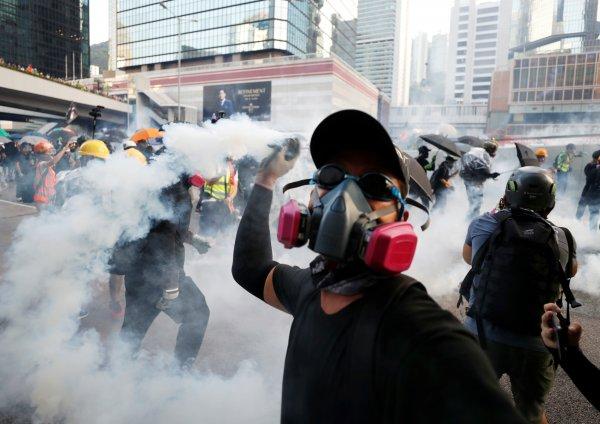 hong-kongda-protestolarin-onune-gecilemedi,,,,,.jpg