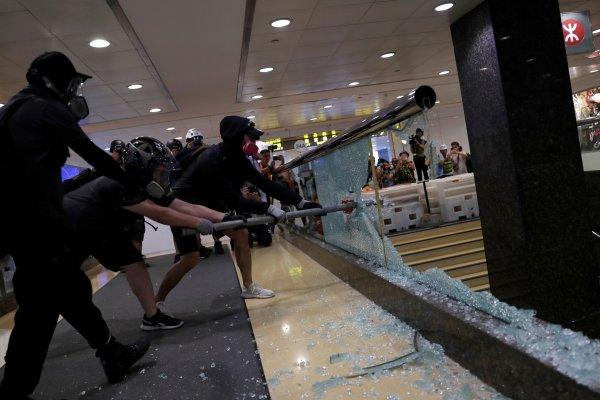 hong-kongda-protestolarin-onune-gecilemedi,,,,.jpg